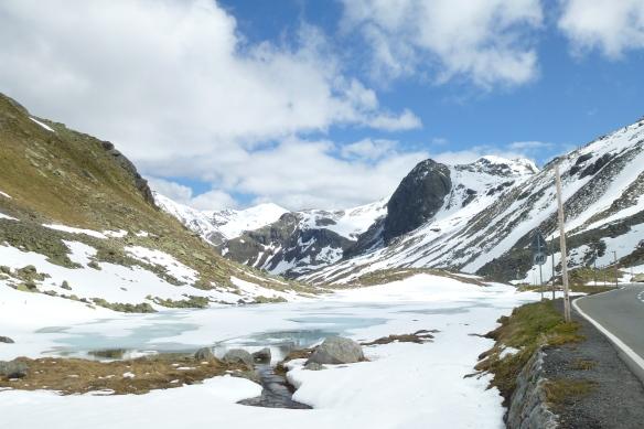 Flüela Pass 2389metres.