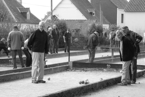 Boules Bretagne on the old railway.